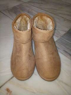 Winter Boots from Japan Size 10 will fit size 9