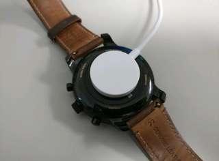 🚚 全新 Fossil Q / MK / Armani / Diesel 等等 智慧手錶 充電器 (原廠福利品)
