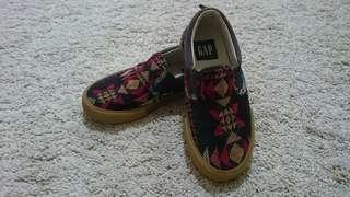 Gap Boy's Casual Shoes (EUR 29)