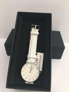 DW白色皮錶32mm