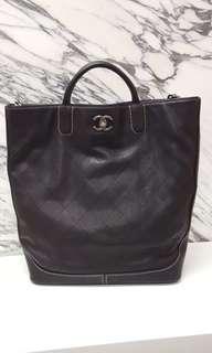 Chanel leather handbag navy