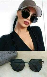 Sunnies fasionable eyewear