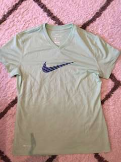 Nike dry fit t shirt