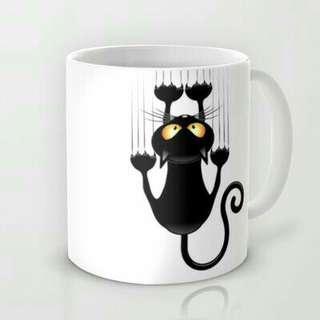 Mugs wit a cat
