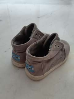 Tods canvas shoes for trendy baby