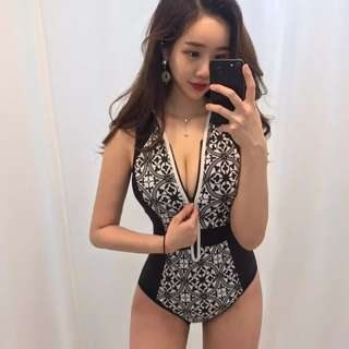 Black printed zipped Bikini swimwear