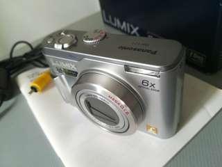 Panasonic DMC-LZ1. Digital Camera