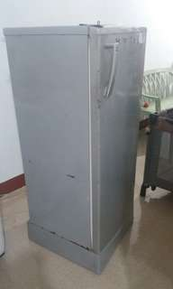 Refrigerator(electrolux)