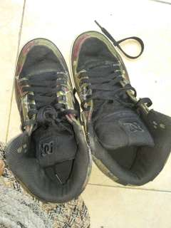 For Sell Sepatu DC