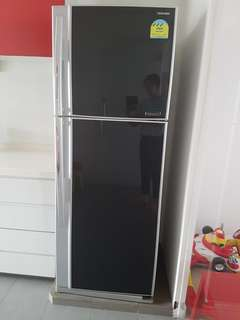 Pre-loved fridge (Leh long leh long! Further price drop!)