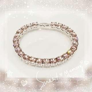 全新品 18K 鍍白金屬鑲嵌 pink color / 粉紅色奧地利水晶手鍊一條 QB-13