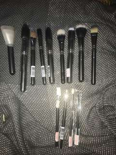 Brand new MAC Brushes (assorted)