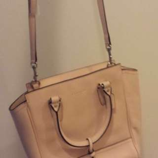 $80 lowest price for authentic Coach bag ( can be used 2 ways )