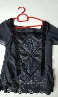 Ju's black velvet top lace