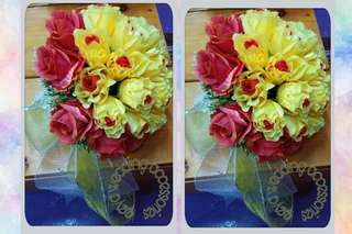 Hand Bouquet fake flower (yellow red)