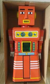 Retro robot windup