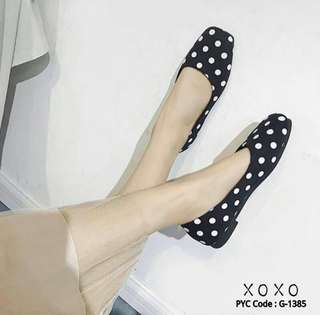 Polkadot flat shoes