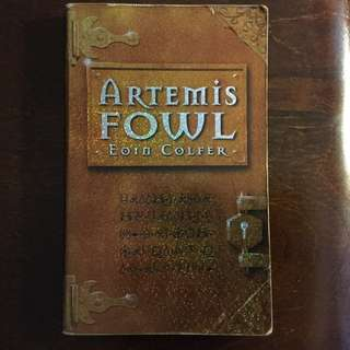 Artemis Fowl by Eoin Colfer #cheapaschips