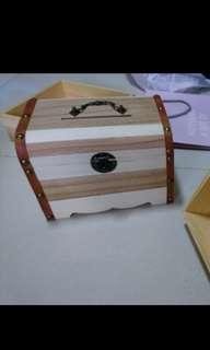Wooden Box is treasure case + 3 items--- props for RECEPTION