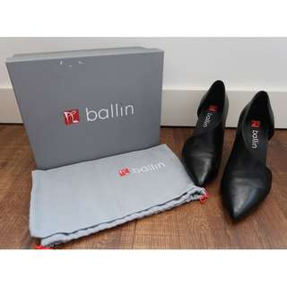 Ballin Cut Out Pumps
