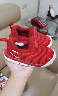 Nike 幼童毛毛蟲鞋