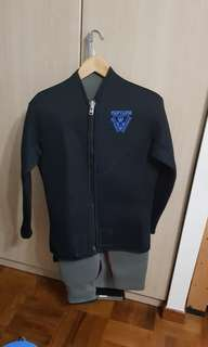 Size 3 wetsuit. 8 mm. Pants and Jacket. Mens cut (no breast allowance).