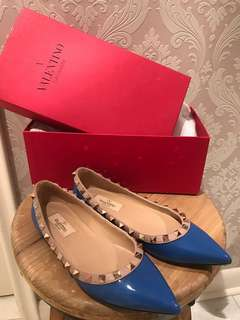 BNWB Authentic Valentino Size 35 Flats