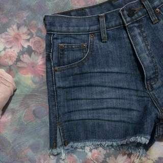 Side Slit High Waist Denim Shorts in Wash-off Blue (Size M)