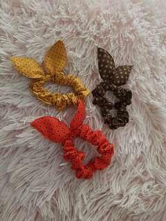 3 bow scrunchies