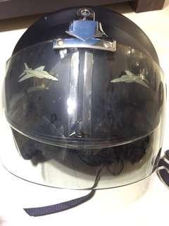 頭盔Helmet