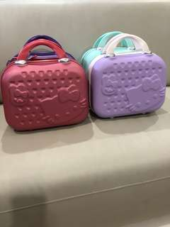 ❗️New Stocks❗️Brand new Hello Kitty Make Up Bag/Small Luggage. Good Quality! Ideal As Gifts or for your own use 😃 refer to photos 👌🏻