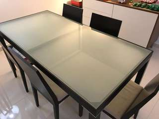 OM Dining Table With Tempered Glass Top