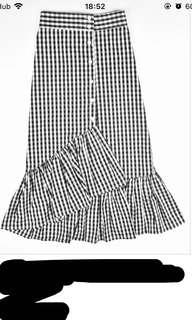 Irregular button down plaid skirt