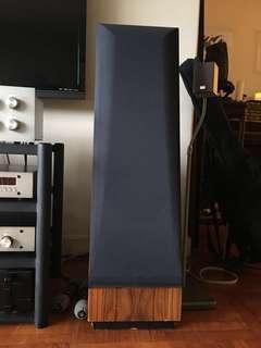 Cello Pre-amp, Bryston Amp, Conrad Johnson CD Players + Amp and Thiel Speakers