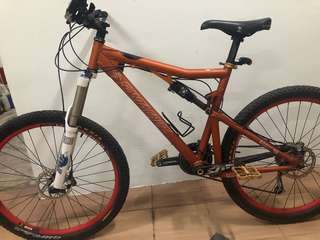 Santa Cruz Blur LT Full Suspension MTB