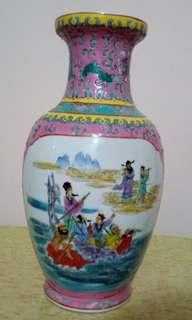 中國景德鎮福祿壽及八仙過海双面瓷器花瓶