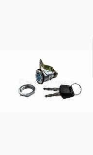 Vespa lx topcase lock