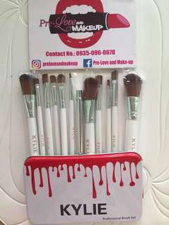 KYLIE 12 pcs Brush