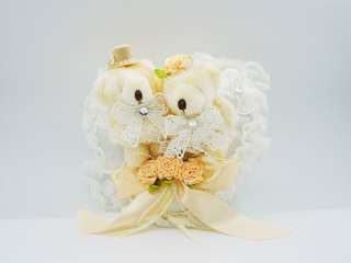(BRAND NEW!) Wedding Ring pillow