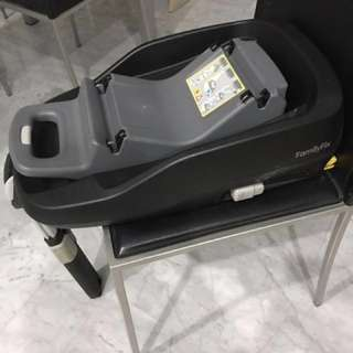 Maxi cosi Pearl and family fix base $170 (base alone $150)
