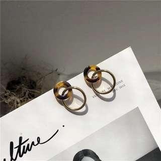 🚚 琥珀圈圈耳環