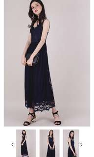 Halia Lace Maxi Dress in Navy Size M