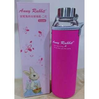 安妮兔 時尚玻璃瓶 水壺 550ml (附手提保護套)