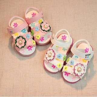 Flower Decor Sandals With Light For Baby Girl