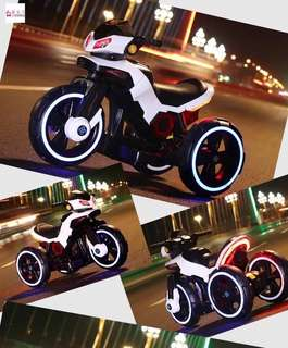 White Big Bike Rechargeable Ride On Motorcycle