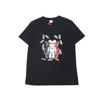 Supreme Tee in blk or white