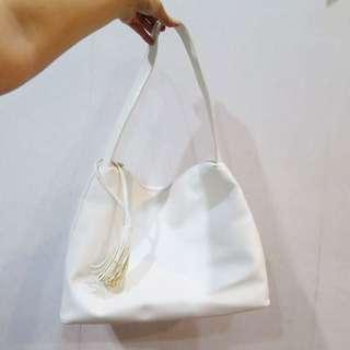 Tassel bag free pouch