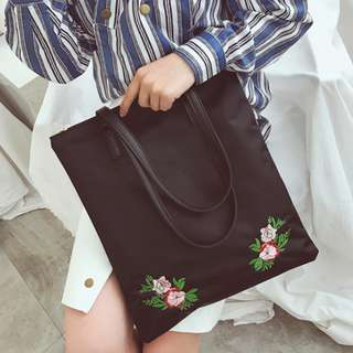 Embroidered rose tote bag with zipper