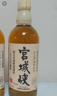 已停產絕版,白頭宮城陝威士忌500mI,無盒。