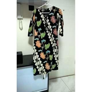 Dress Batik Hitam Parang
